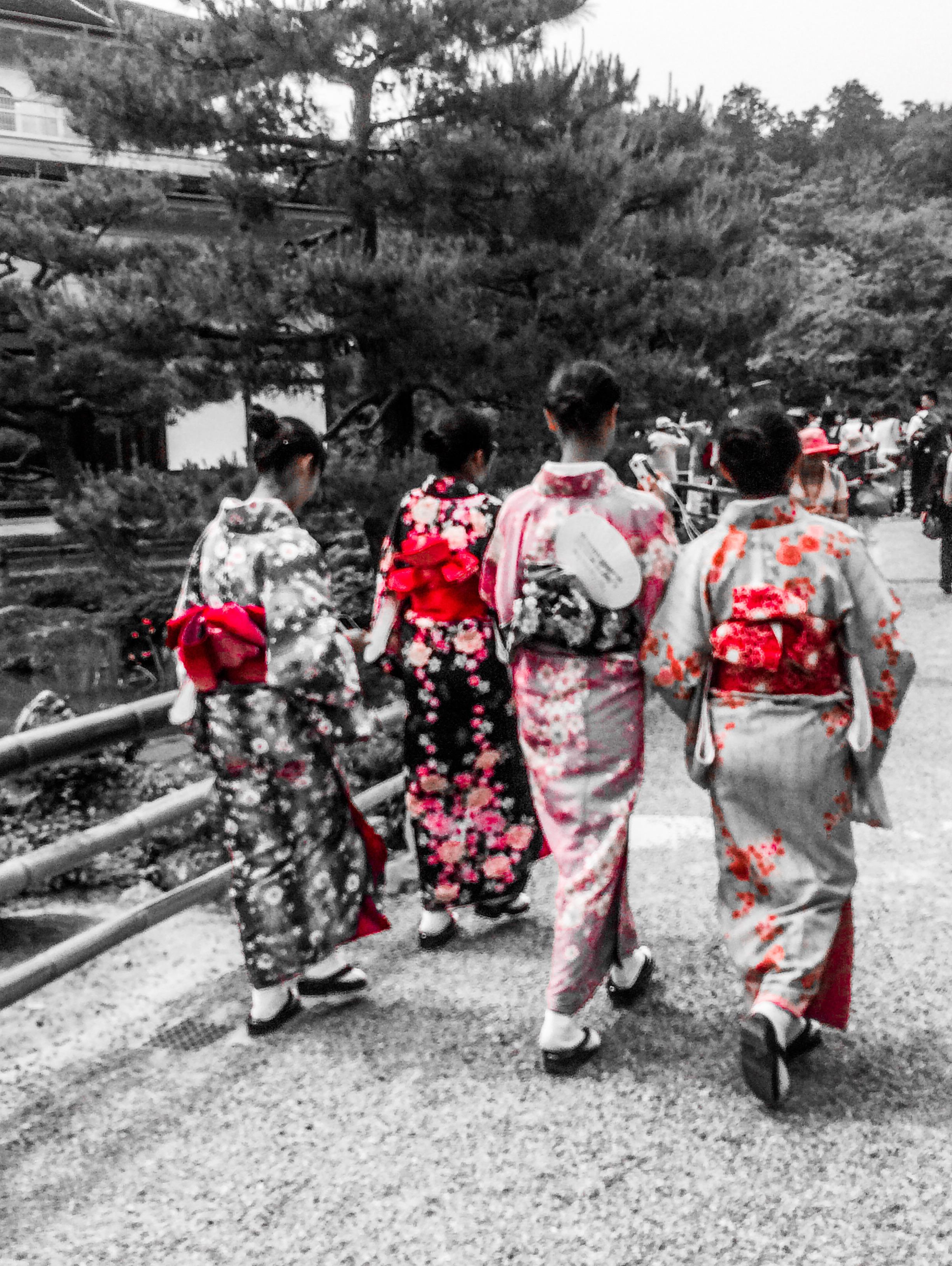 mystérieuses japonaises sur le pont