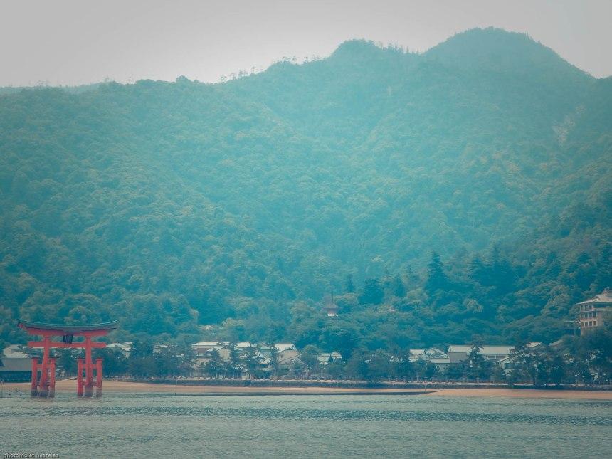 Vue du bateau sur l'Ile de Miyajima