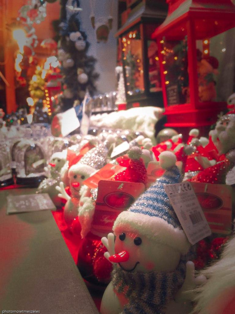 Marché de Noel place de la cathédrale Strasbourg (2)