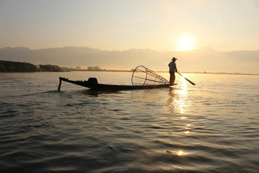 fisherman-239487_1920