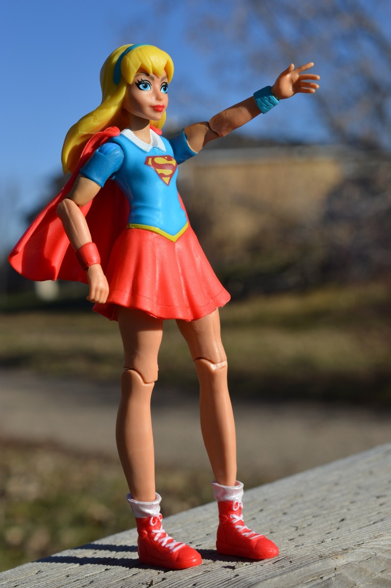 supergirl-1801746_1920