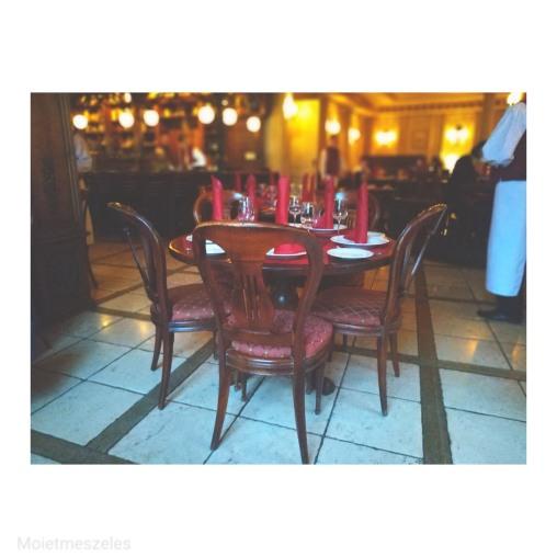 intérieur Café Pouchkine Moscou
