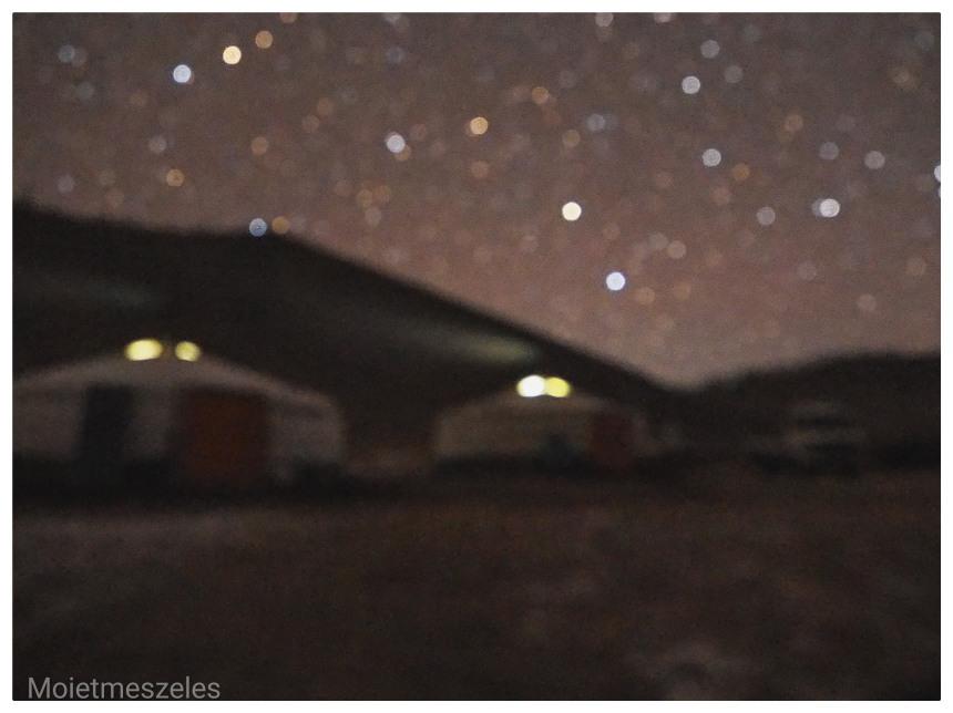 yourte sous les étoiles mongolie hiver famille nomade